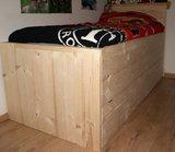 Steigerhouten bed met onderschuifbed_